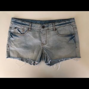 Hurley Cut off shorts size 27